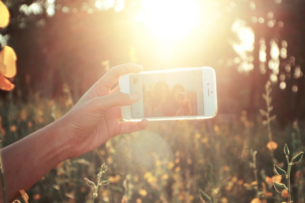 The Pros and Cons of Using Instagram in Recovery